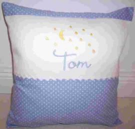Kinder- Baby- Namenskissen Tom - Bild vergrößern